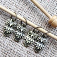 bubo-owl-knitting-stitch-marker-set-display