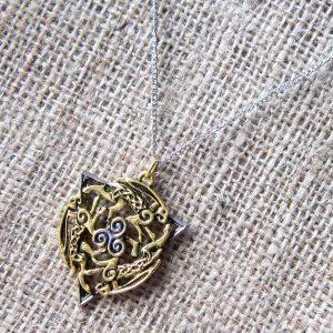 celtic-hare-triskele-necklace-my7