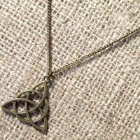 Celtic triquetra bronze necklace