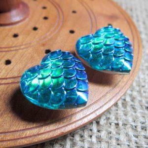 Dragon scale heart steel studs metallic blue green