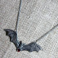 Giant flying bat necklace Zotz GA13