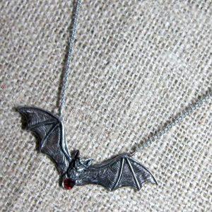 Giant flying bat necklace Zotz GA13