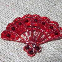Red beaded fan brooch