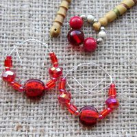 red-foiled-glass-beaded-lace-bobbin-spangle