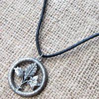 tree-runes-cord-necklace-gw01