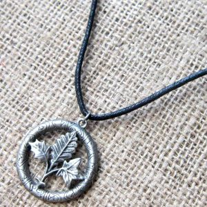 tree-runes-cord-necklace-gw01
