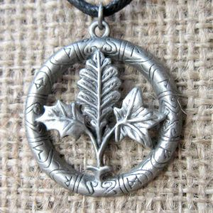 tree-runes-cord-necklace-gw01-pendant